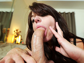 Sexy girl Kaisey Dean receives a fresh cum load into her mouth